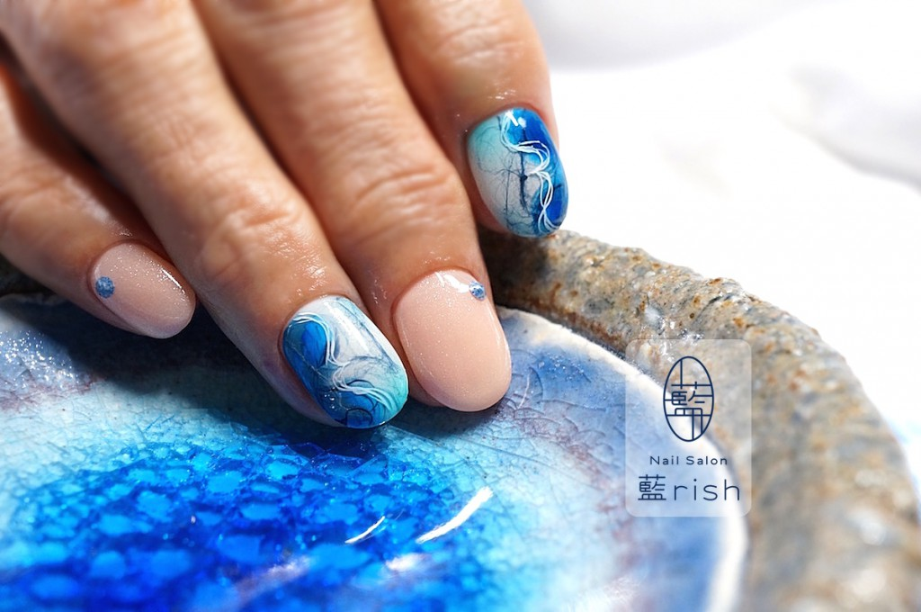 伝統工芸ネイル 青の糸